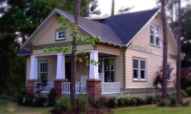 Planos de casa cottage de dos niveles, tres dormitorios, dos baños y sin garaje